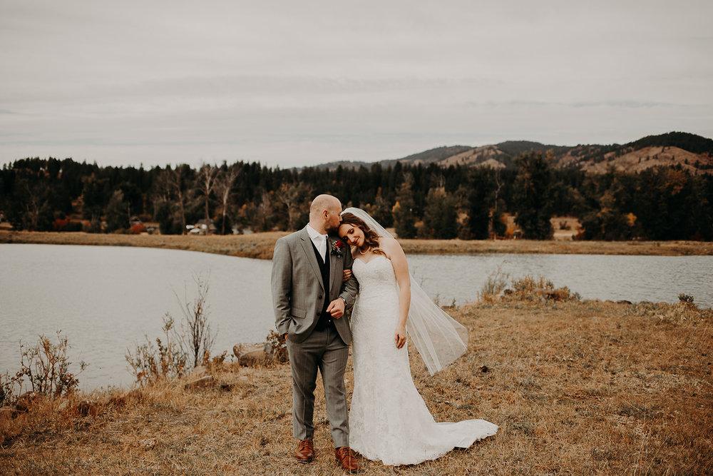 cattle-barn-wedding-cle-elum-washington-megan-gallagher-photography-winston-salem-photographer (11).jpg