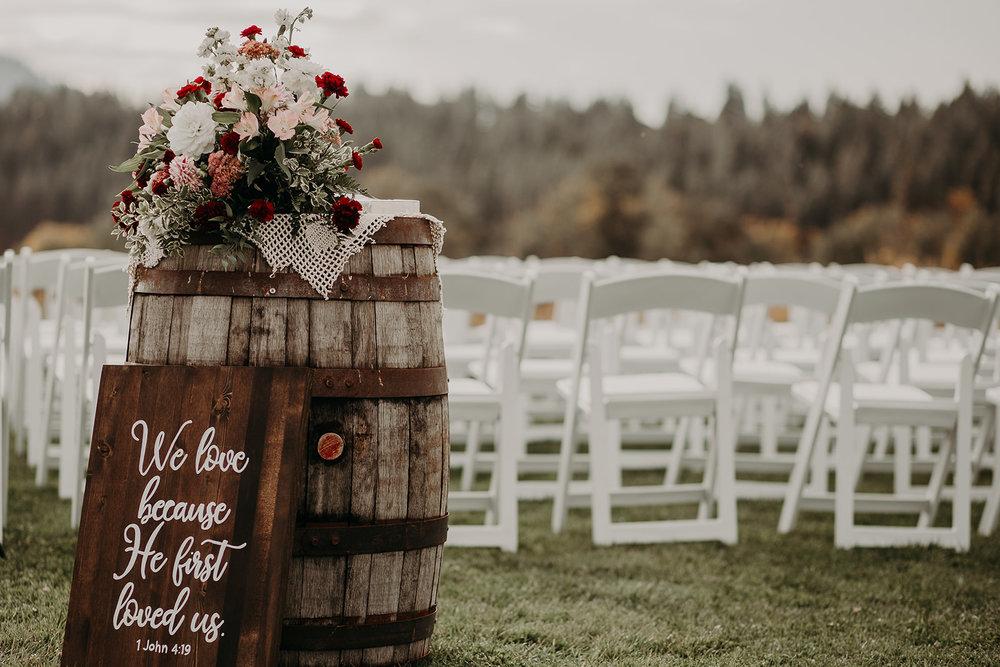 cattle-barn-cle-elum-washington-wedding-megan-gallagher-photography-winston-salem-photographer (1).jpg