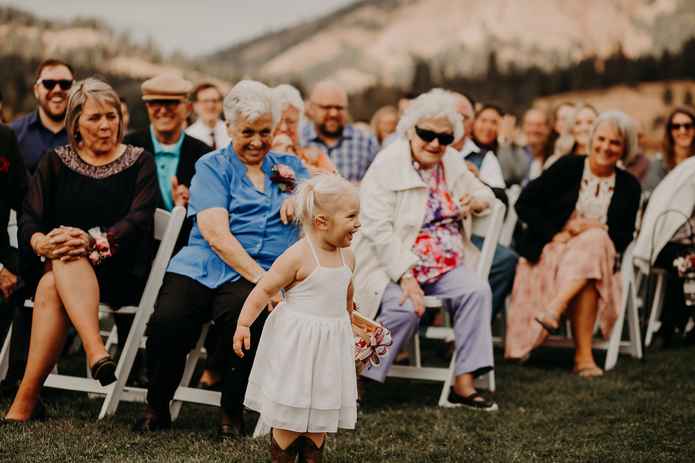 cattle-barn-cle-elum-washington-wedding-megan-gallagher-photography-winston-salem-photographer (13).jpg