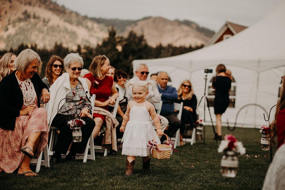 cattle-barn-cle-elum-washington-wedding-megan-gallagher-photography-winston-salem-photographer (12).jpg