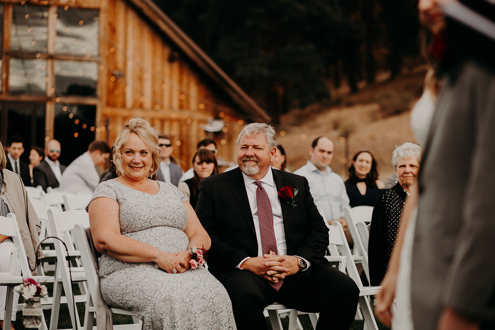 cattle-barn-cle-elum-washington-wedding-megan-gallagher-photography-winston-salem-photographer (19).jpg
