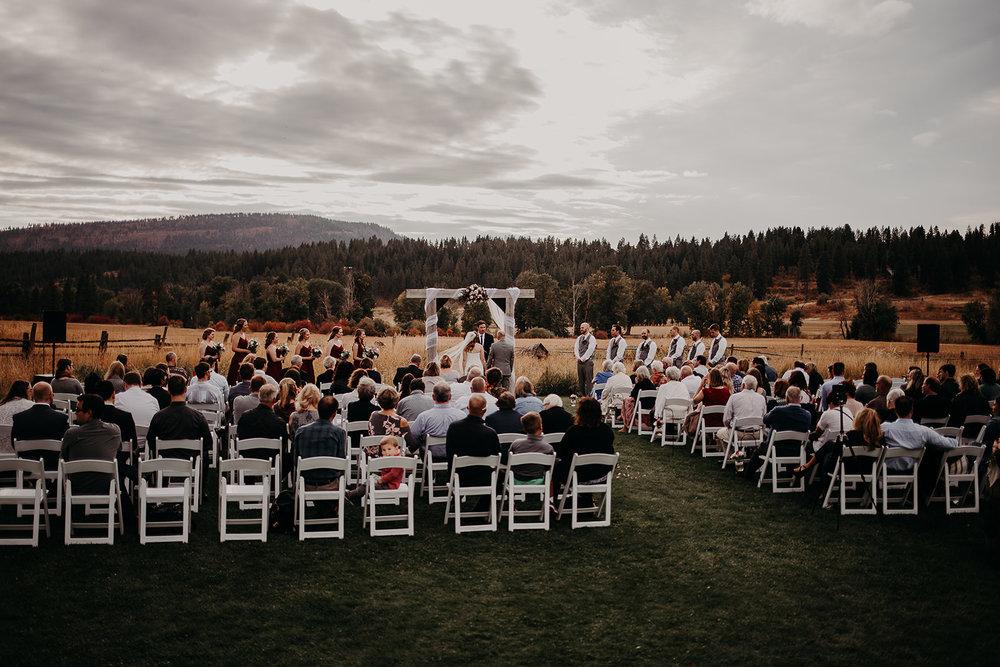 cattle-barn-cle-elum-washington-wedding-megan-gallagher-photography-winston-salem-photographer (29).jpg
