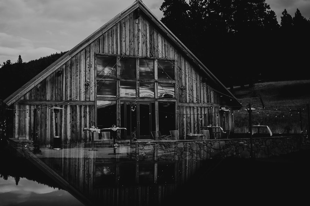 cattle-barn-cle-elum-washington-wedding-megan-gallagher-photography-winston-salem-photographer (31).jpg
