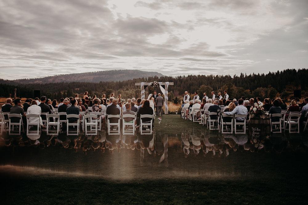 cattle-barn-cle-elum-washington-wedding-megan-gallagher-photography-winston-salem-photographer (32).jpg