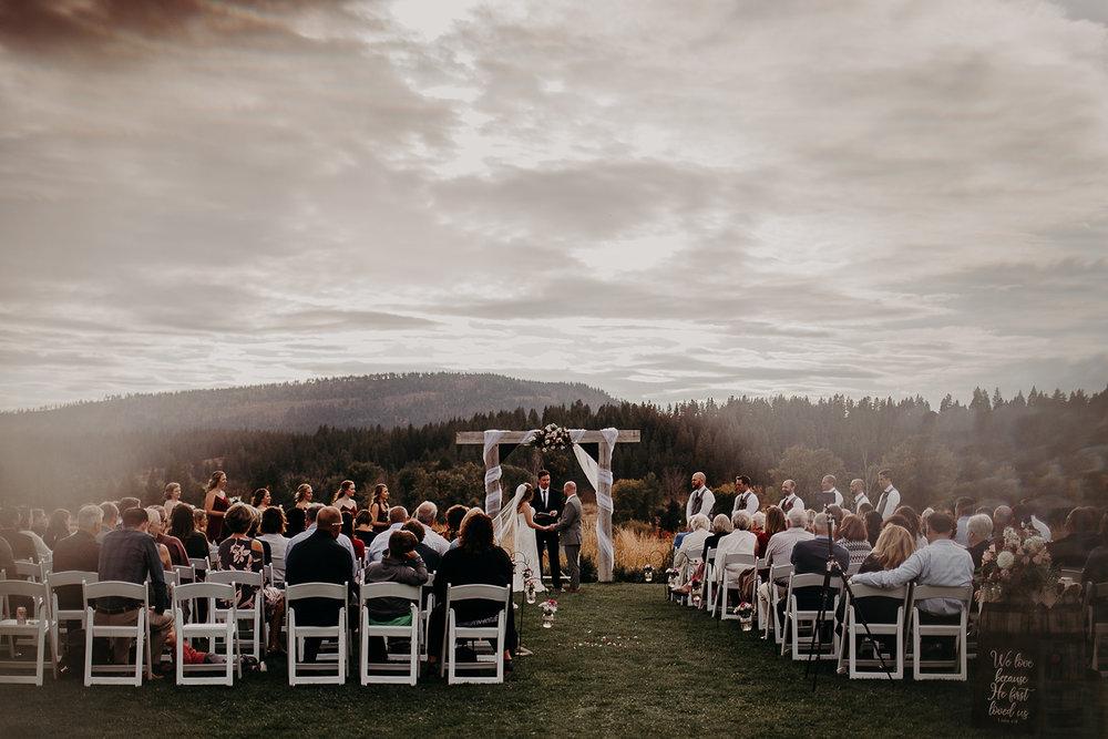 cattle-barn-cle-elum-washington-wedding-megan-gallagher-photography-winston-salem-photographer (33).jpg