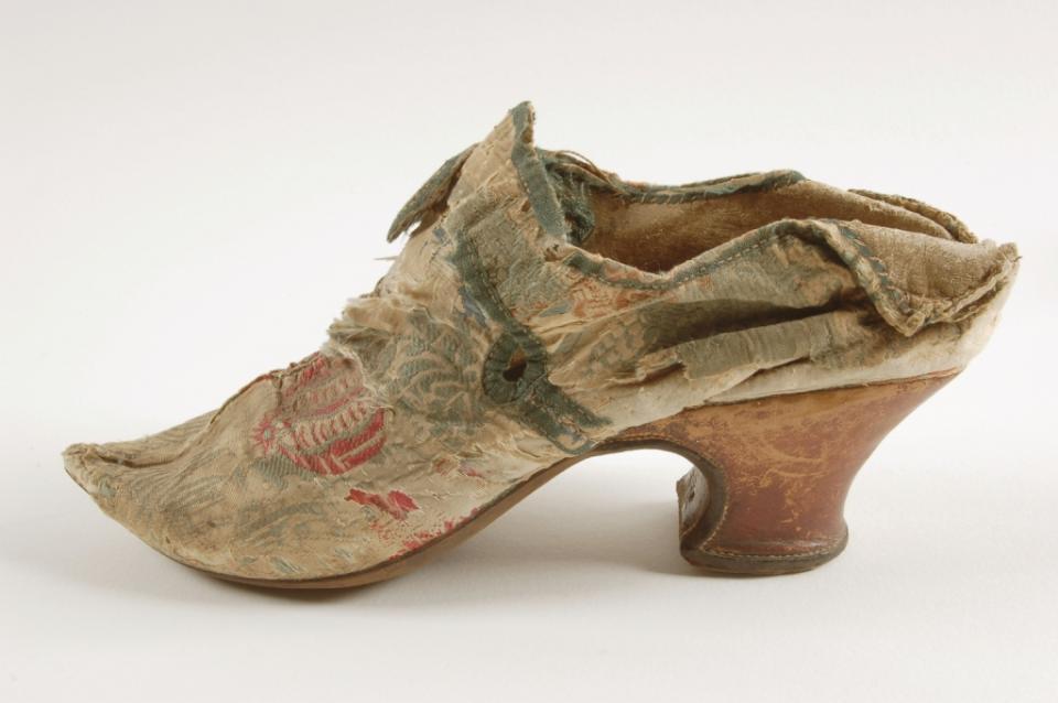 Shoe, before treatment