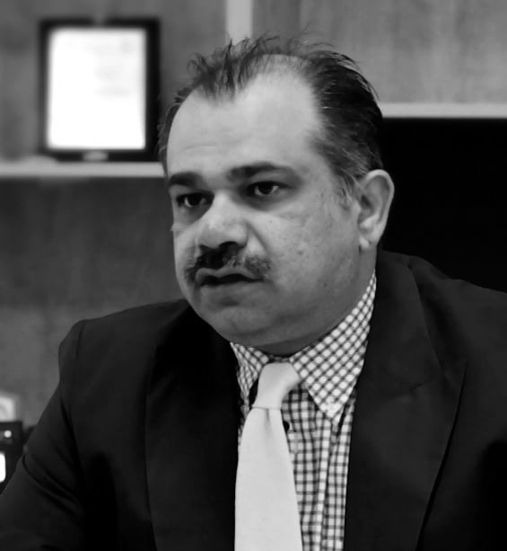 Dr. Shoaib Zaidi, Parternships and R&D   Dr. Zaidi advises Sukoon Water on all matters pertaining to  R&D, and partnerships. A former research scientist at IBM Watson, he is currently the head of academic programs at Usman Institute of Technology.