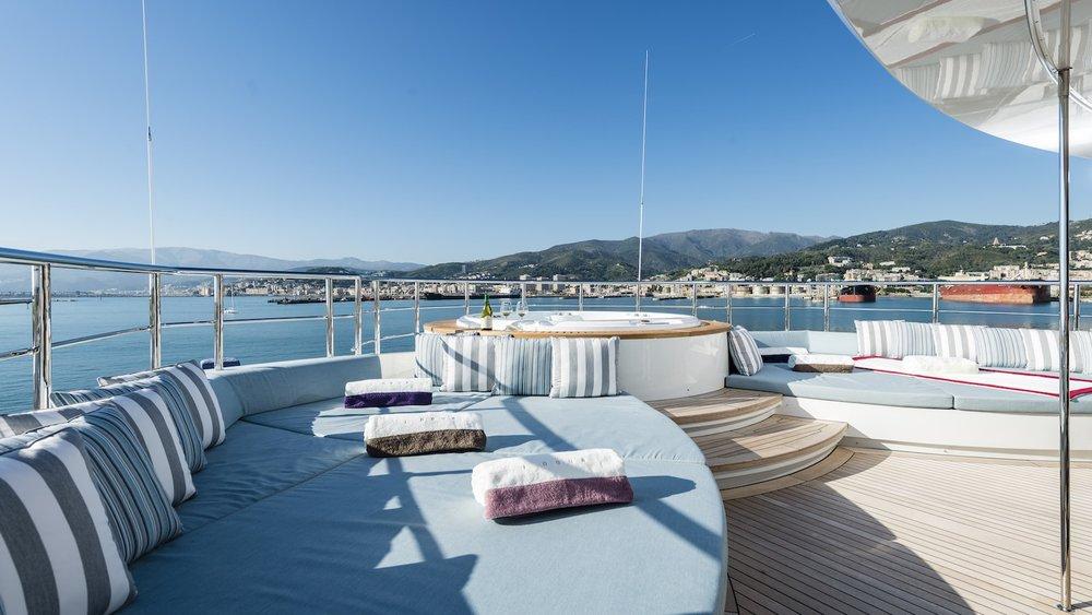 22.superyacht-photography-uk-yacht-boat-snapgenius-deluxe.jpg