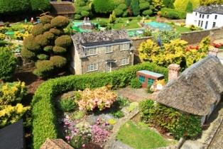 Model Village - Our favourite attraction on the Island! It is a complete 1:10 scale model of Godshill and old Shanklin village as it was in the 1920s and '30. Open March to November.