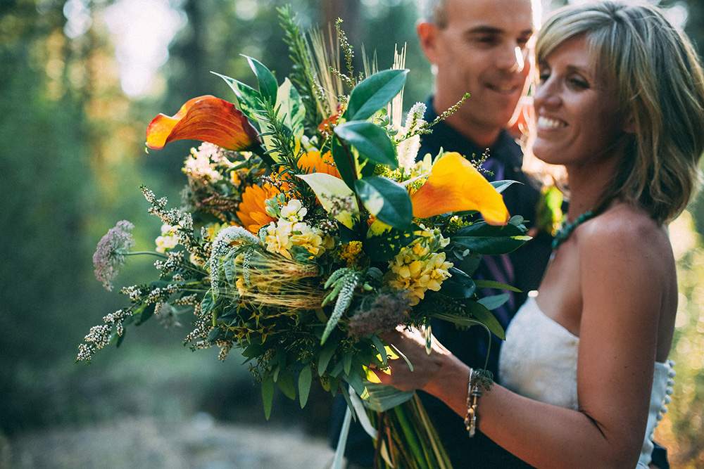 46-flowers-at-will-idaho-city-elopement.jpg