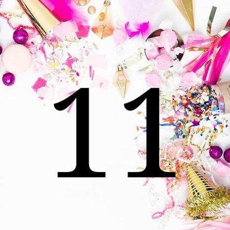 Hiep hiep hoera! Wij bestaan vandaag alweer 11 jaar! 🎈 En dat vieren wij door 20% korting te geven op alle lingerie en nachtmode!! (geldt niet op nabestellingen, panty's en basis ondergoed) Deze verjaardagsactie loopt t/m woensdag 28 november. Kom je gezellig langs om met ons te proosten? 🥂  Wij zijn er vanaf 11.00 uur, tot straks!