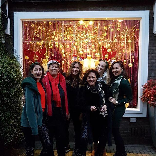 Het was een geslaagde kerstmarkt! 🎄👙 #teamintimici