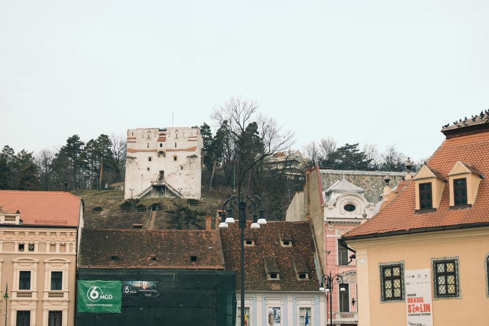 Ovo malo utvrđenje se vidi sa trga, ali nismo stigli da se popnemo do njega.