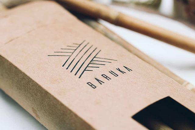 • Baruka se bavi izradom i prodajom raznih predmeta od potpuno prirodnih, održivih, reciklirajućih materijala. Za sada su to: rančevi, cegeri za joga prostirke, cegeri za namirnice, makrame držači za biljke, zidni dekorativni makrame i slamčice od bambusa. @barukacraft • 🌿 . . . #bambus #bambusoveslamcice #slamciceodbambusa #plasticneslamcice #proizvodiodbambusa #zamenazaplastiku #plastika #saynotoplastic #bamboo #rucnaizrada #rucnirad #bamboostraws #priroda #zastitazivotnesredine