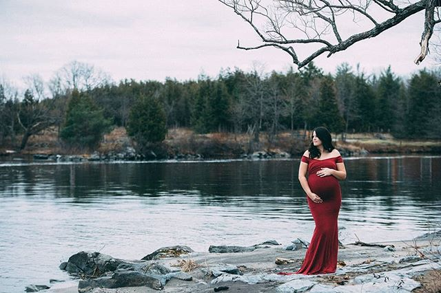 Misty morning maternity session with the lovely @shannonmason17