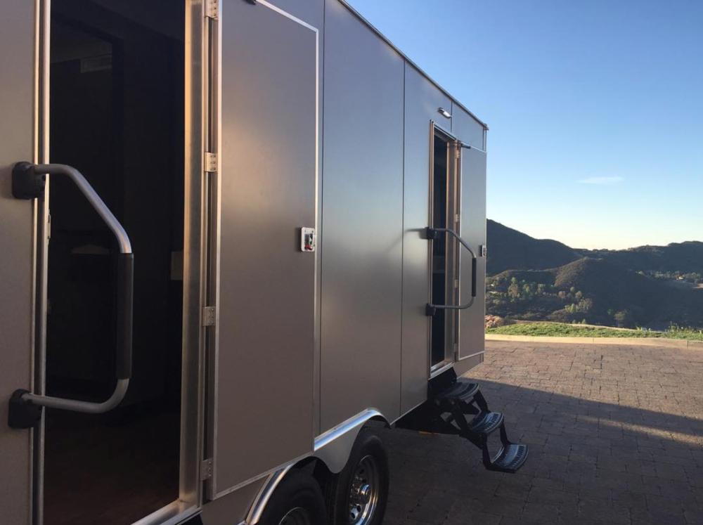 Platinum Pro Portables    Los Angeles, California   A luxury portable mobile restroom  Service owned and designed by ( Brandon Dutcher)