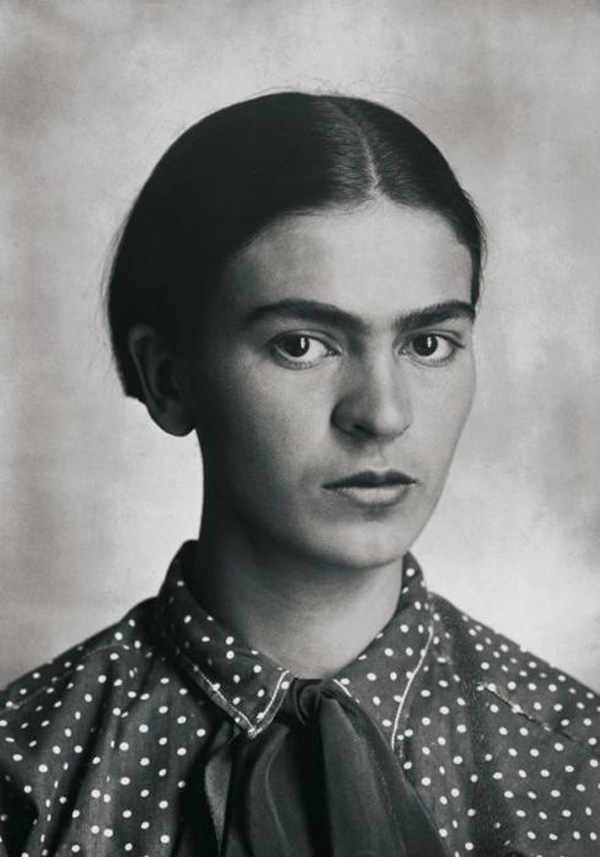 Frida Kahlo   Frida Kahlo was considered one of Mexico's greatest artists.   In 1922, Kahlo enrolled in the prestigious National Preparatory School. She was one of the few female students to attend and became known for her jovial spirit and her love of traditional and colorful clothing.   During her time at school, she became politically active and joined the Mexican Communist Party.   In 1925, Kahlo experienced a terrible bus accident; she became severely injured and began to focus on self-portraits.   In 1938, she befriended Andre Breton, a primary leader in the Surrealist movement. In that same year, Kahlo had an exhibition in a New York City gallery, where she sold half of the 25 paintings shown there.
