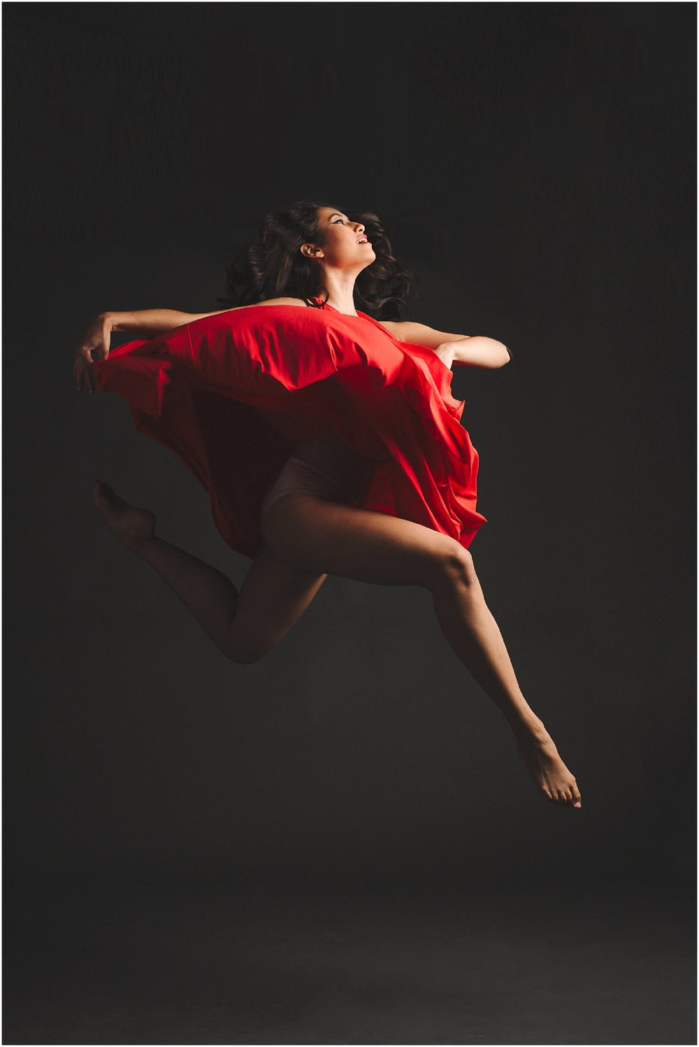 Imagery that captivates and builds your audience - Amanda creates unique, powerful and exciting visuals for dance companies that are designed to entice viewers, captivate their imagination and bring them to the theatre.A multi-talented artist who utilizes the medium of photography. Her images are informed of her passion for music & dance as they are from her innate creative vision and her clients' visual needs.Described by clients as 'unique,' 'evocative' and 'elegant' Amanda's images reach out and grab the attention of the viewer, taking them into a visual world where dance and imagery combine.