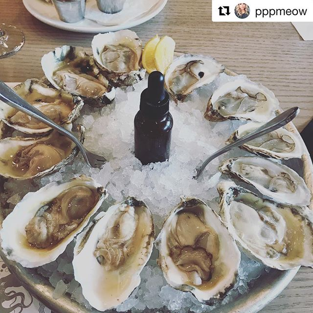 Happiest of Hours. $1 Oysters. Daily (Yes as in every day) 4-6p #parsonsalley #discoverduluth #downtownduluth #soduluth #beduluth #oysters #happyhour