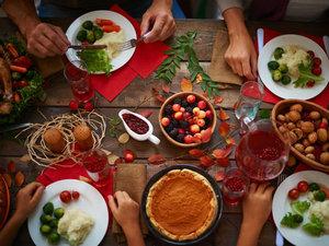 wcpo_thanksgiving_dinner_1479413913246_49950463_ver1.0_640_480.jpg