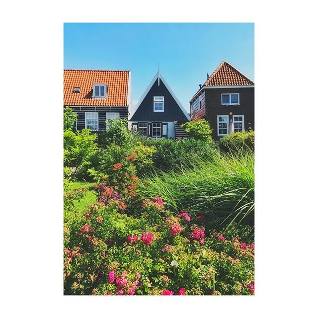 Beautiful country #homes in #marken #netherlands