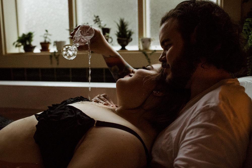 Victoria+Bc+Couples+Boudoir+Photography-76.jpg