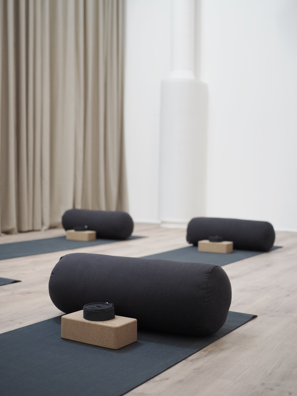 Dwell Space Mommy yoga 1