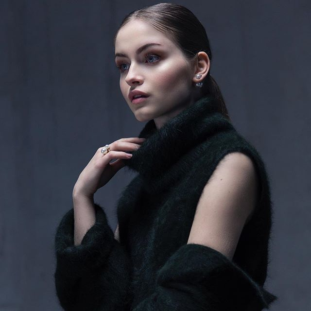 A knitting elegance @thurmes.lu Sophia. The cozy wool 3 piece cardigan,skirt and turtleneck set .#fashion #couture #knitting #elegant #timless #chic #classic #modern #newbrand #slowfashion #luxury #lifestyle #luxurylifestyle #ootd #ootn #winterfashion #women #womensfashion #love #life #beauty #makeup #model #green #warm #style #luxembourg #photooftheday #thurmes
