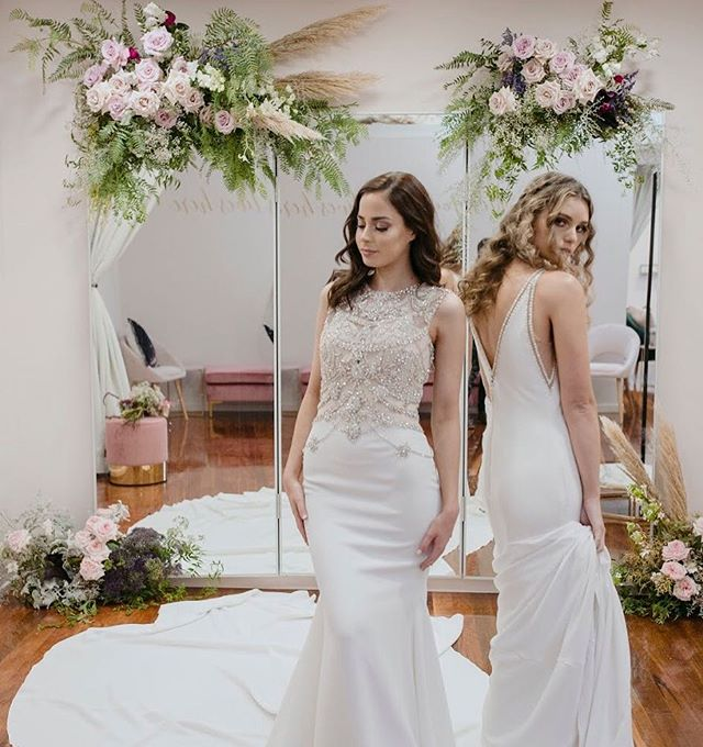 A few flossy blooms for the lovely ladies @whitelilycouture 💕 Shot by @heartandcolour Makeup @julianacruzmakeup Hair @bkodhairstylist  Models @laurencatalano1