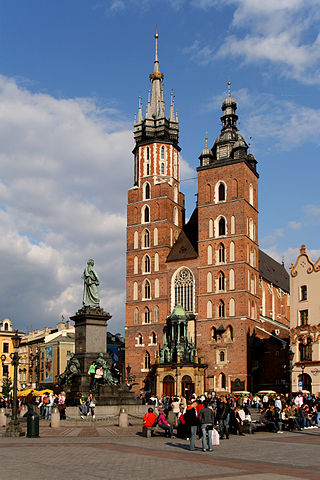 320px-Kraków_-_St._Mary_Church_01.jpg