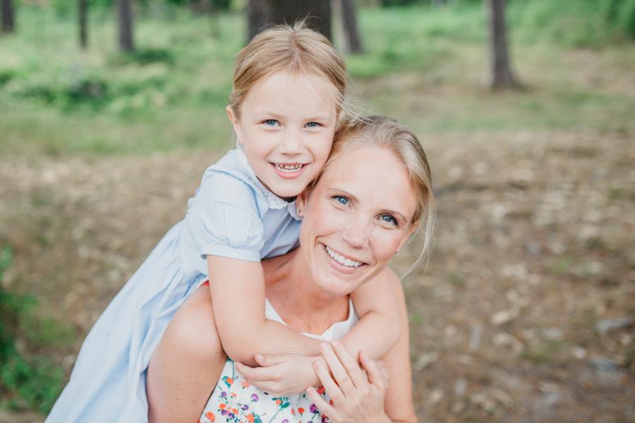 Dotter kramar mamma