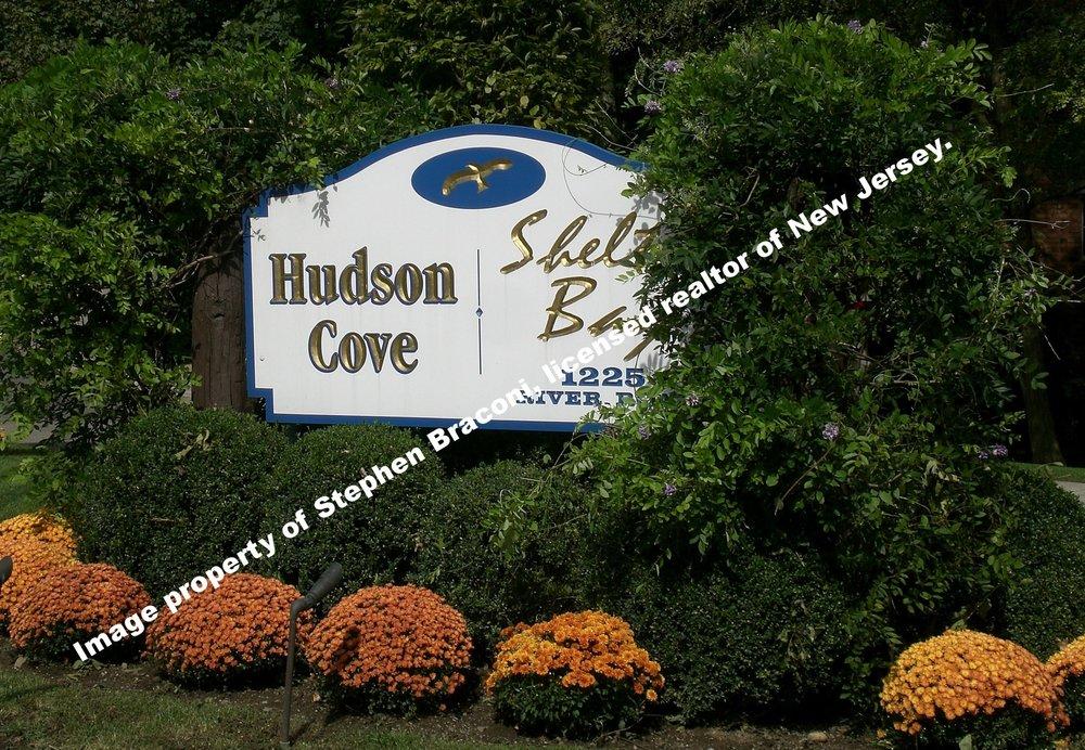 Hudson Cove 3.JPG