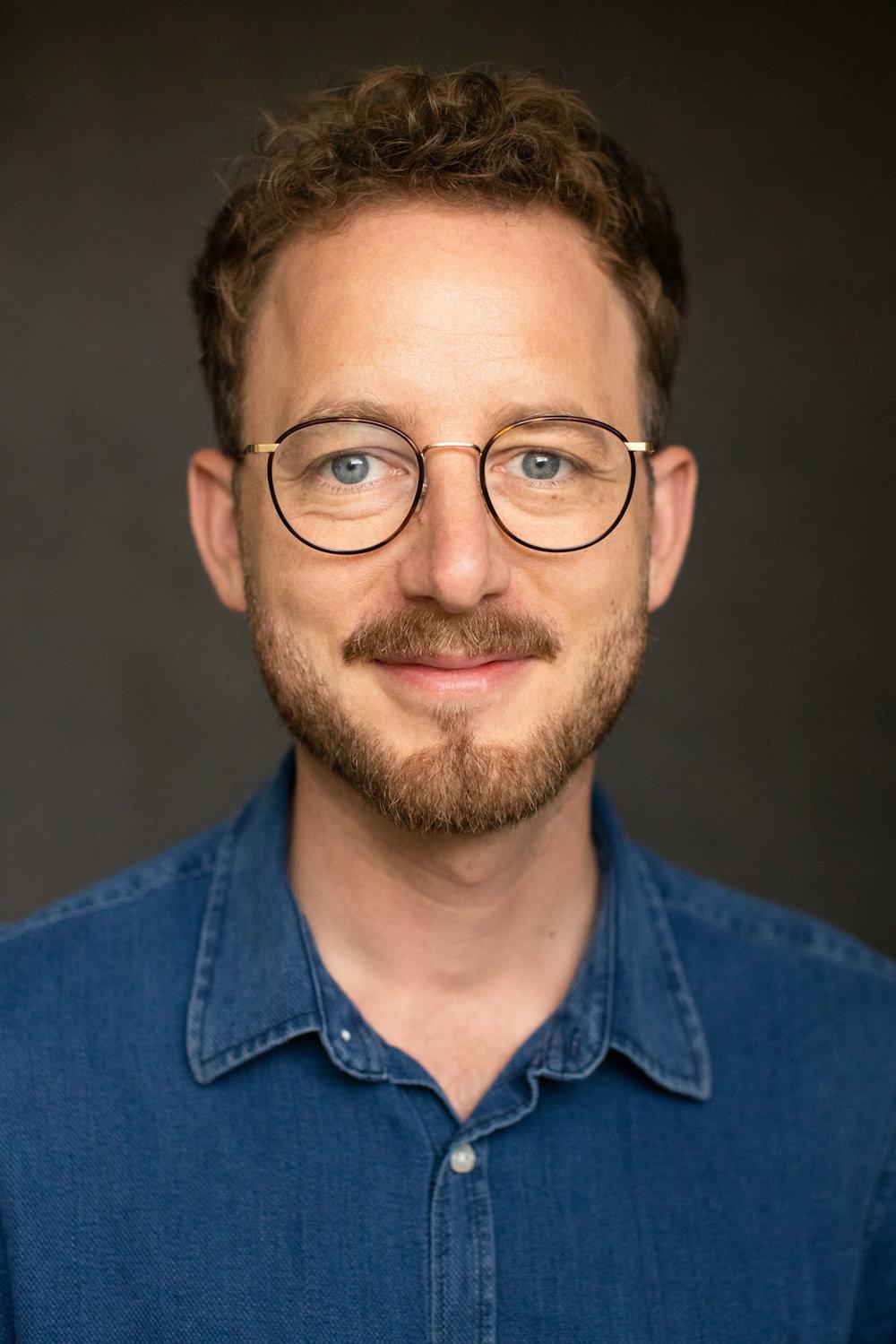 Businessportrait eines Mannes in Berlin - Portrait - Fotostudio - Ralf Hiemisch