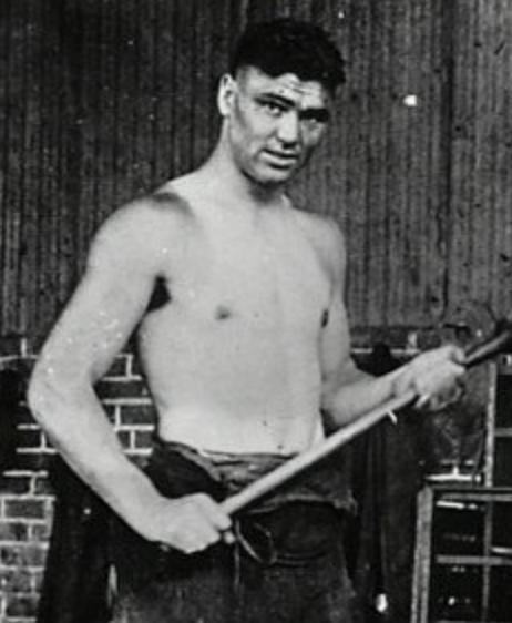 The Future Manassa Mauler, still in the middleweight range. - circa 1918
