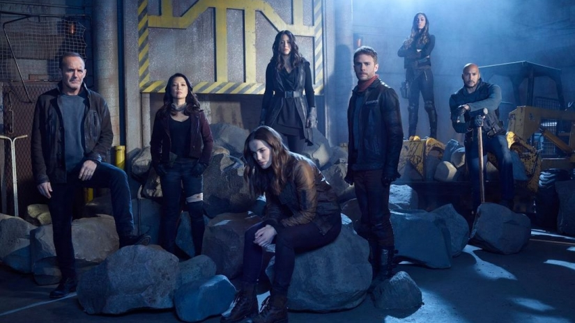 AGENTS OF SHIELD IS BACK!