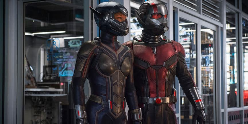 PAUL RUDD & Evangeline Lily AS ANT-MAN & THE WASP