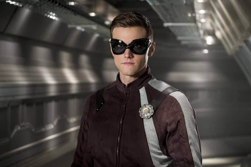 ELONGATED MAN'S NEW SUIT