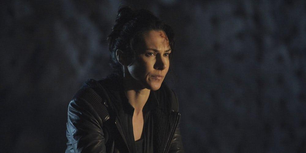 Kyra Zagorsky cast on arrow