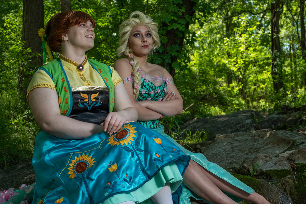 Mermaid Child as Elsa and Tacocat Cosplay as Anna from Frozen Fever at Krause Springs