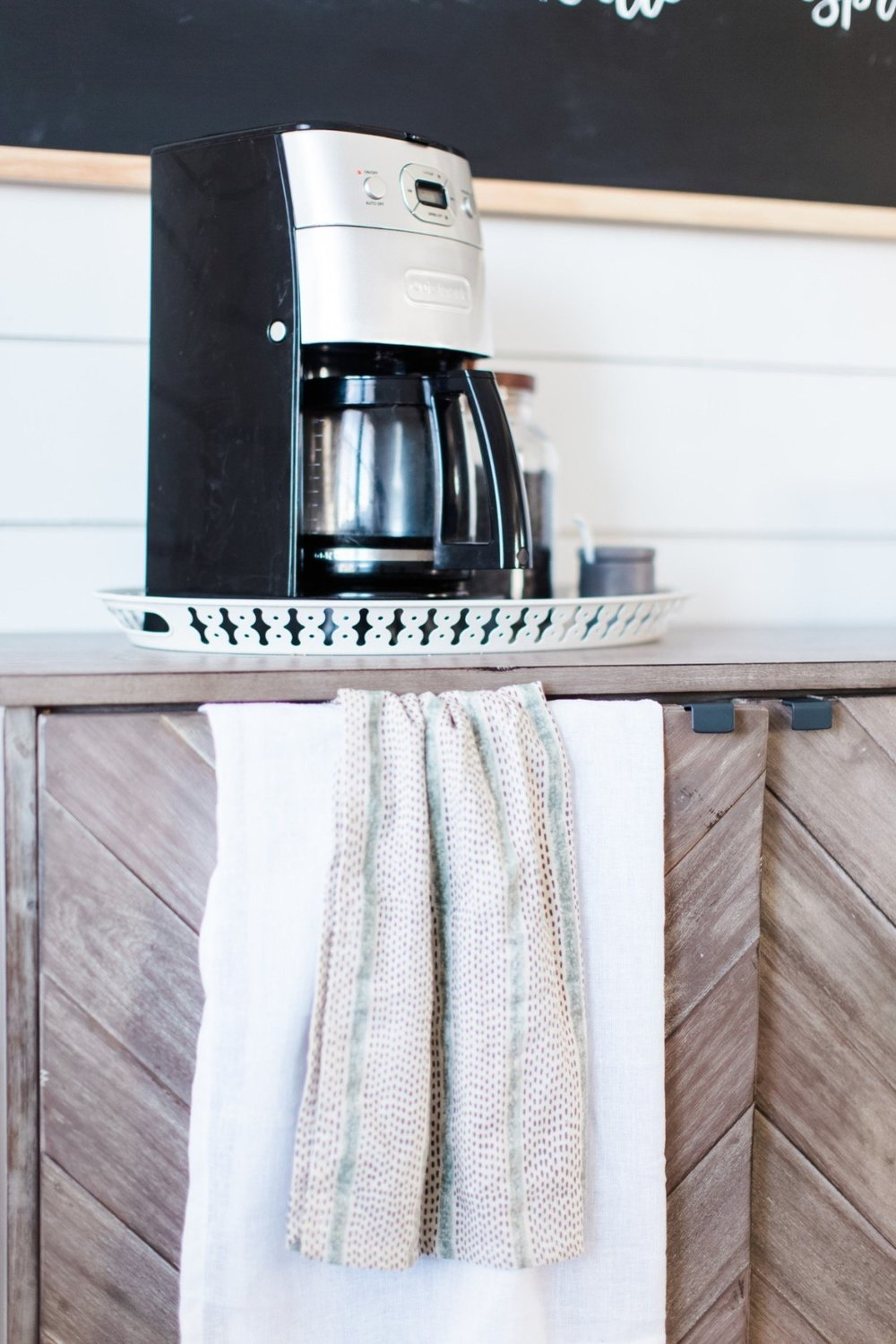 DIY-Farmhouse-Coffee-Bar-9.jpg