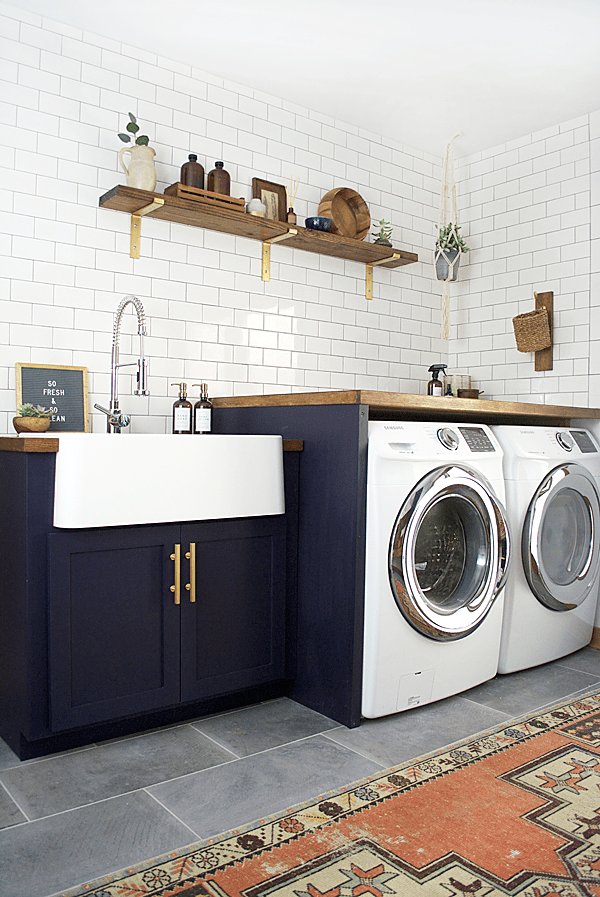 modern-farmhouse-laundry-room.png