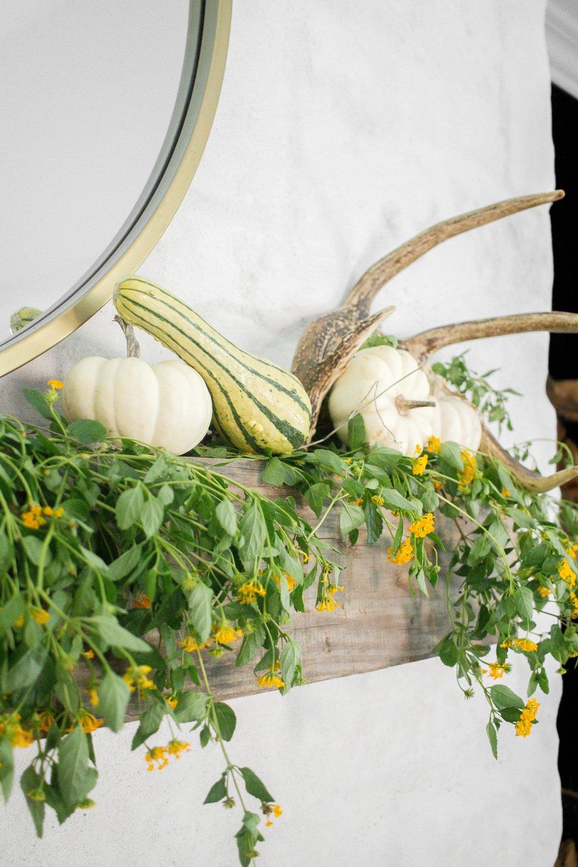 Farmhouse Fall Decor - Living Room - Farmhouse Living 10.jpg