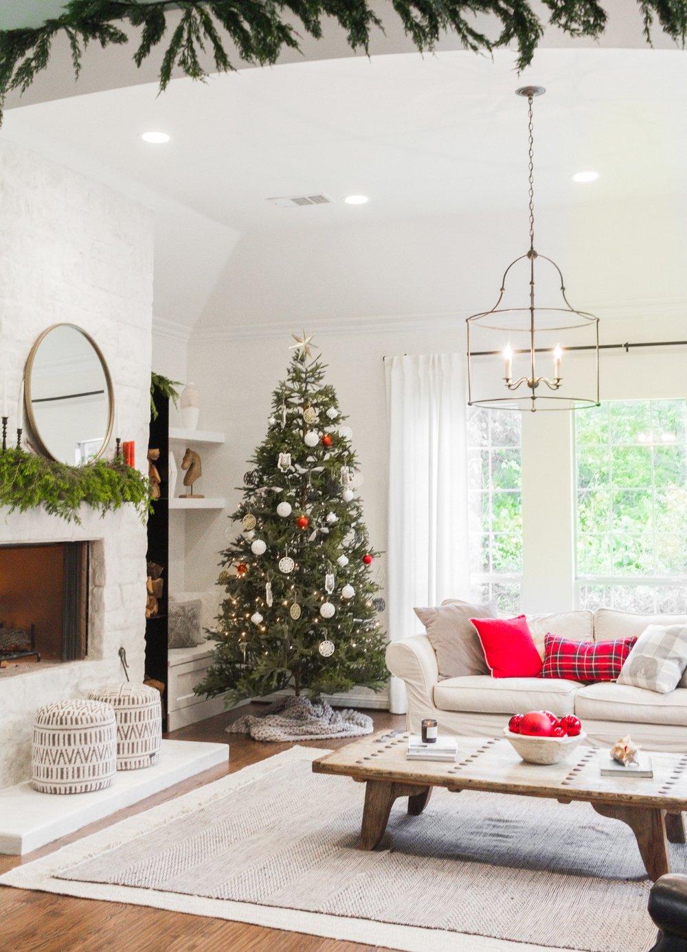 Tasteful Hallmark Christmas-0380.jpg