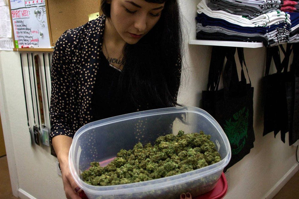Backers of medical marijuana launch effort to legalize recreational use  The Marijuana Policy Project has filed paperwork with state election officials to form a committee to begin raising funds for a 2016 citizens initiative to legalize recreational marijuana use. Arizona voters narrowly passed Proposition 203 allowing medical cannabis use in 2010.