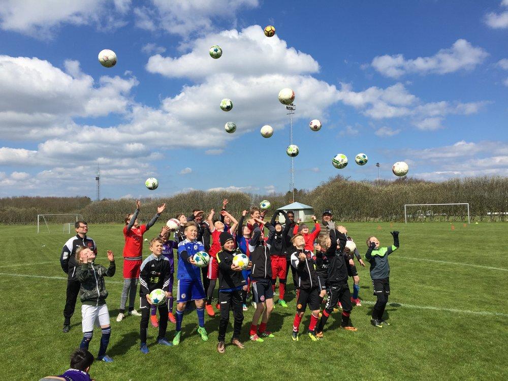glade børn fodboldskole kopi.jpg