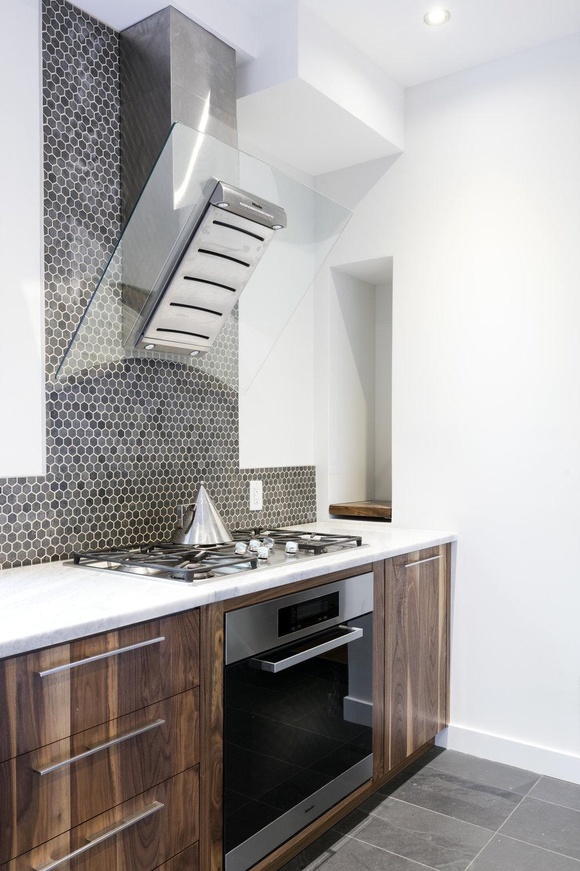 Guigues kitchen 5.jpg