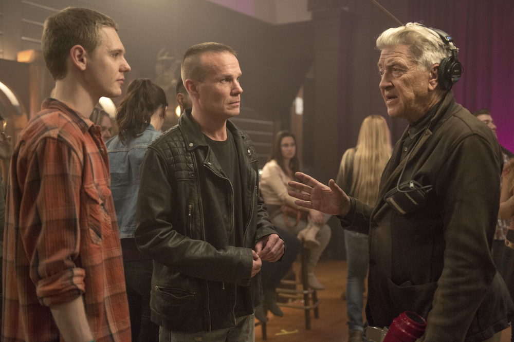 - First Twin Peaks Photo - David Lynch, James Marshall and Jake Wardle (far left) in an exclusive first look behind the scenes of the new Twin Peaks. (March 2016)