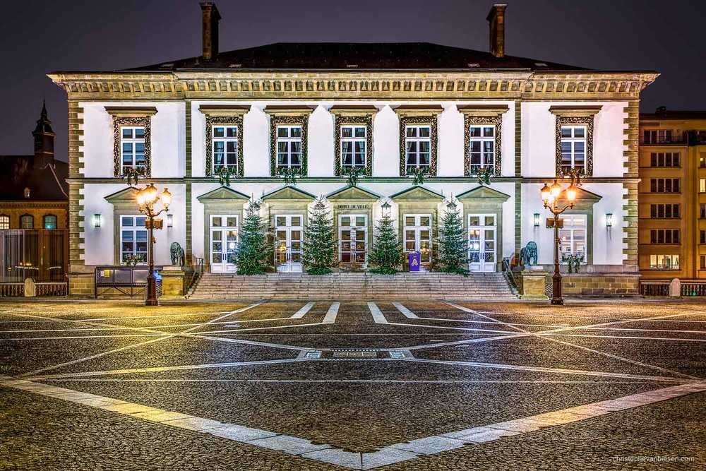 Christmas in Luxembourg - Luxembourg City's Town Hall on place Guillaume II, better known as Knuedler, decorated for Christmas - Winter Town
