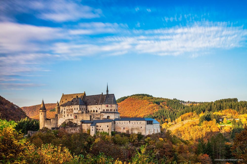 Autumn in Luxembourg - Luxembourg's famous castle of Vianden - Mighty Stones