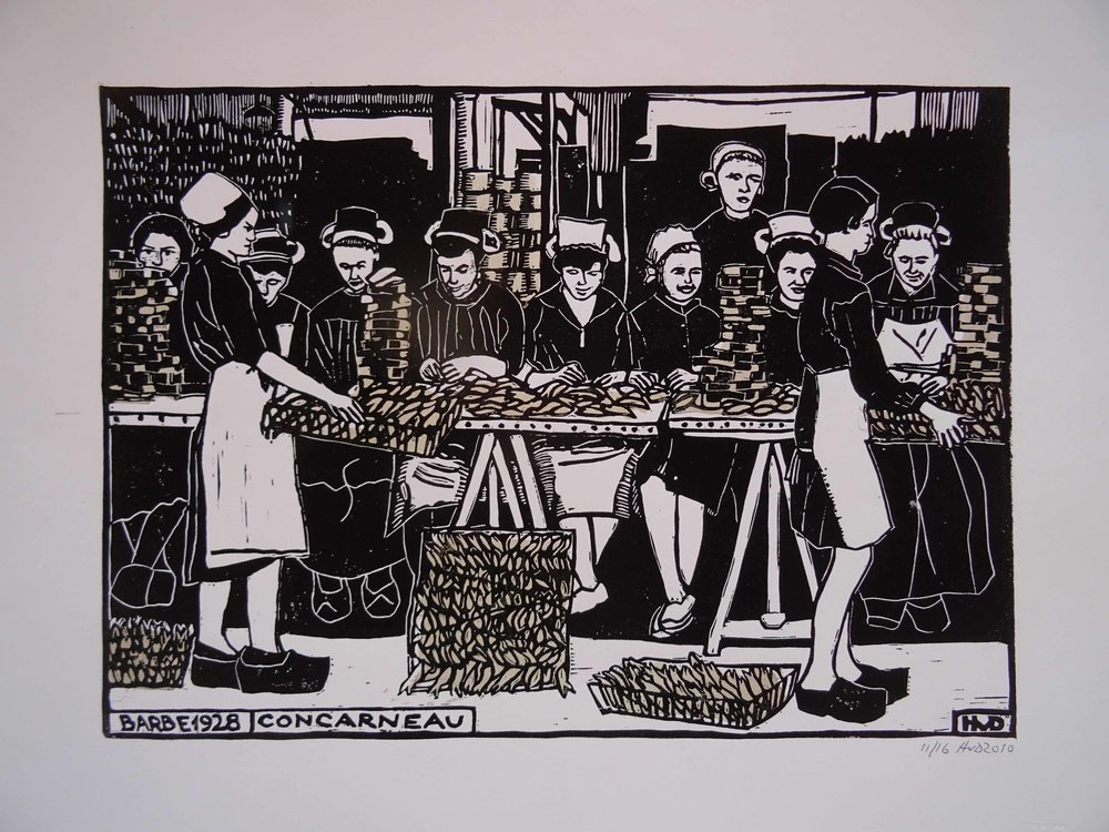 71 -A tribute to the fishy girls and women of Concarneau, lino with silver stencil 30x42 cm, 80 €